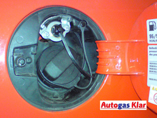 Autogas Klar - Beispiel eines Mini-Gastankstutzen